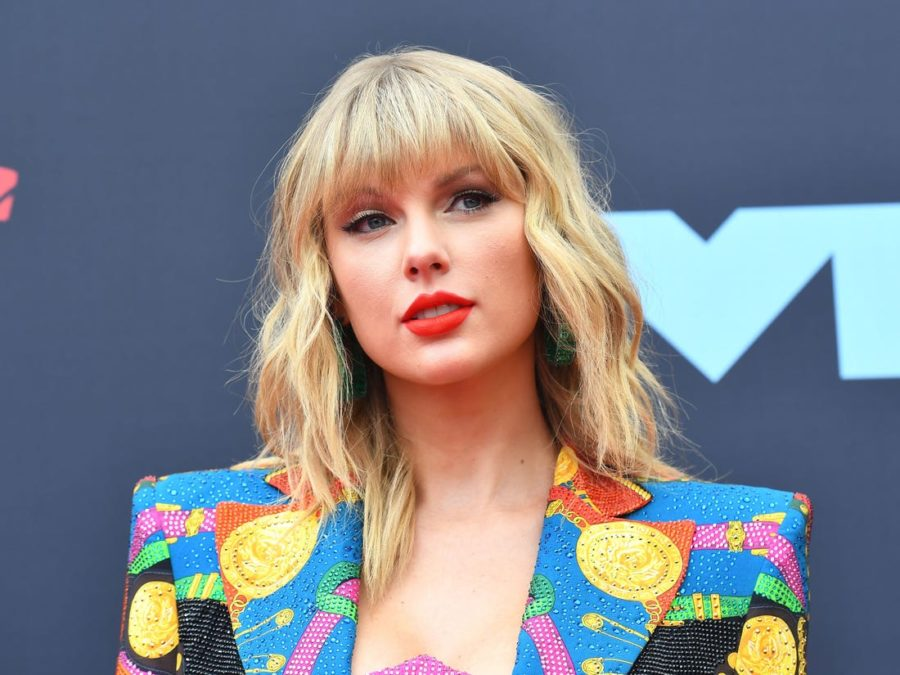 Taylor+Swift%3A+Look+What+They+Made+Her+Do